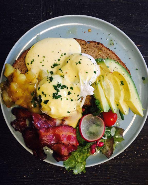 Frühstück-Tipp-Eggs-Benediict-Hamburg-Ottensen